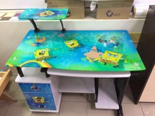 Распродажа венгерских компьютерных столов с каленным стеклом